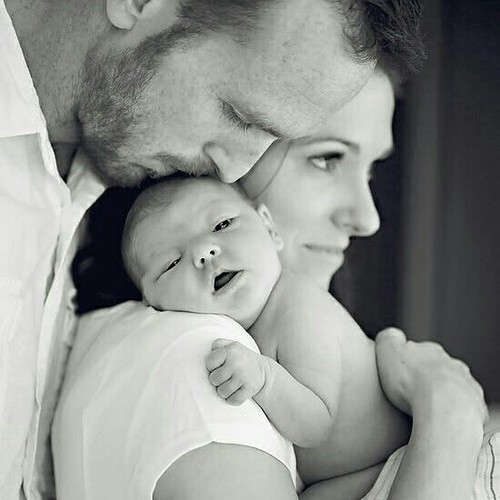 صورة صور احضان , خلفيات حنونه لحضن الوالدين