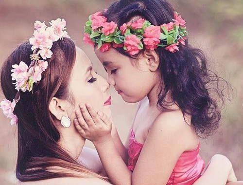 بالصور صور ام وبنتها , اطلالات متشابهة بين الام وبنتها 3924 1