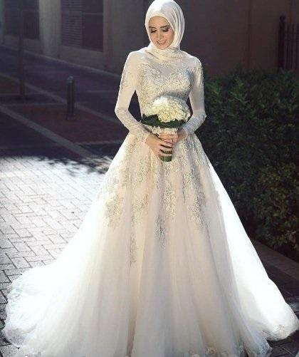 صورة فساتين زفاف محجبات , فساتين افراح 2019