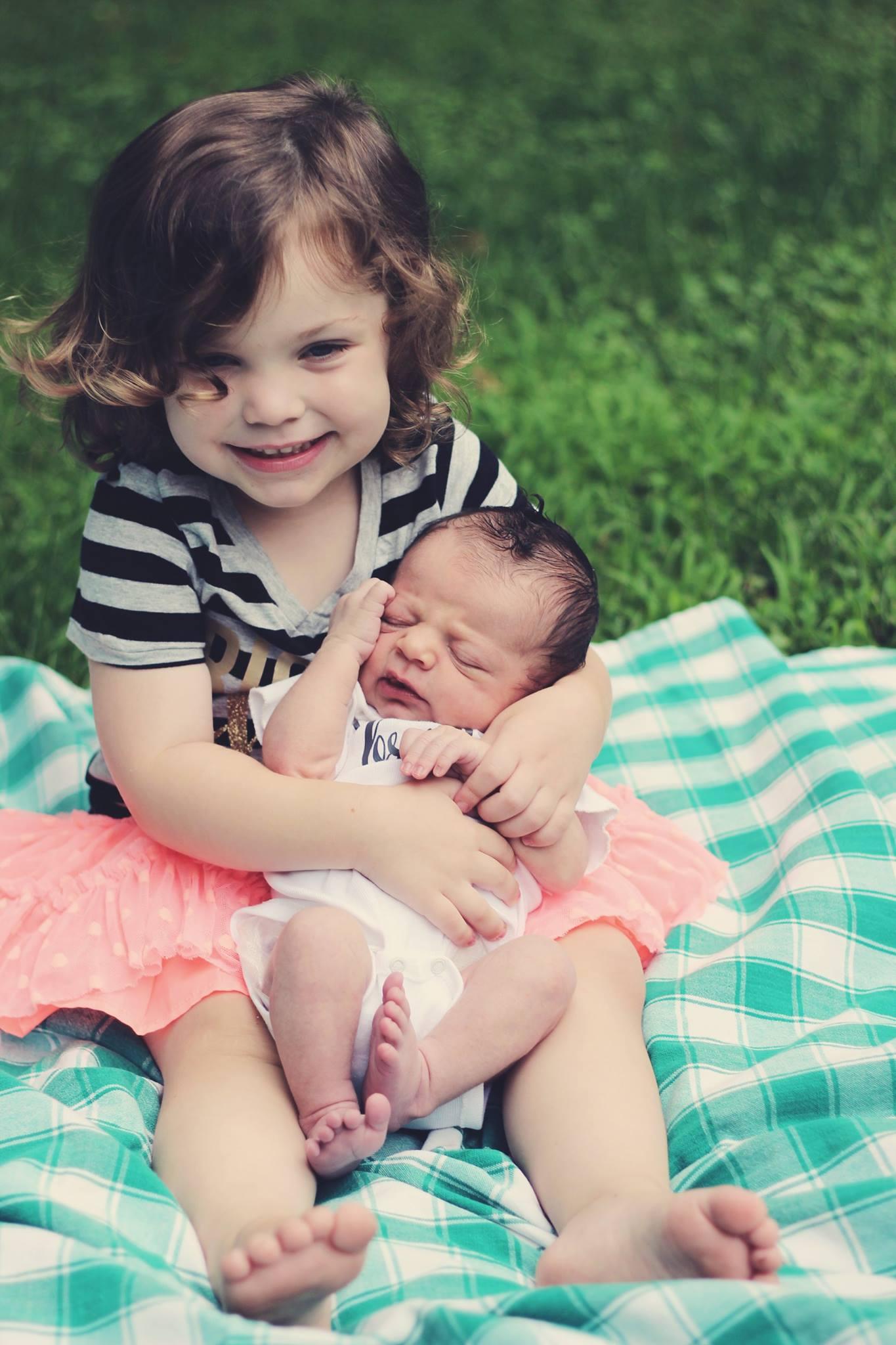صورة اجمل الصور عن حب الاخت , احدث واجمل الصور عن حب الاخت