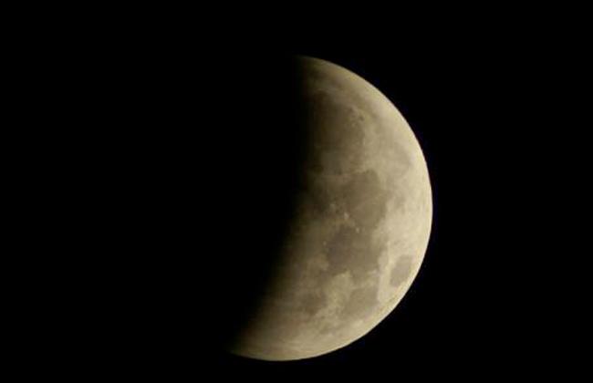 بالصور صور عن القمر , صور رائعه عن جمال القمر 4658 18