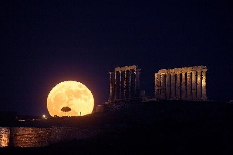بالصور صور عن القمر , صور رائعه عن جمال القمر 4658 19