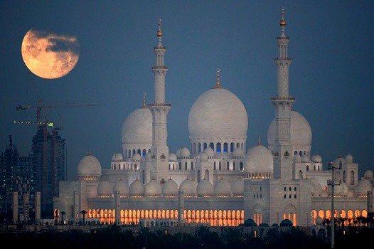 بالصور صور عن القمر , صور رائعه عن جمال القمر 4658 20