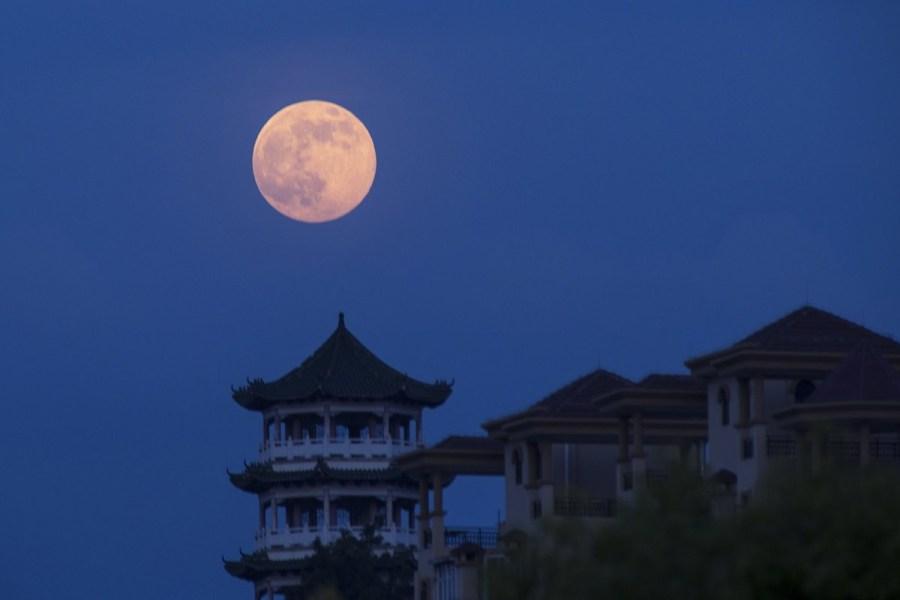 بالصور صور عن القمر , صور رائعه عن جمال القمر 4658 5