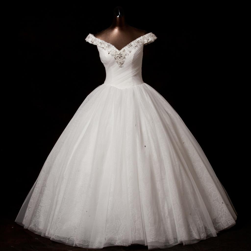 صورة صور فساتين عروس , فساتين للزفاف حديثة