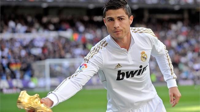 بالصور صوركرستيانو , افضل لاعب في العالم 425 3