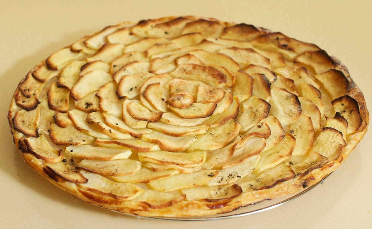 بالصور طريقة عمل فطيرة التفاح , اشهى الحلويات فطيرة التفاح بالطريقه