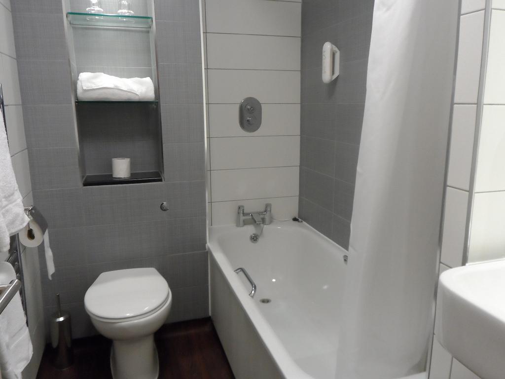 صور ديكور حمامات صغيرة , اجمل اشكال حمامات صغيرة الحجم لمنزل عروس
