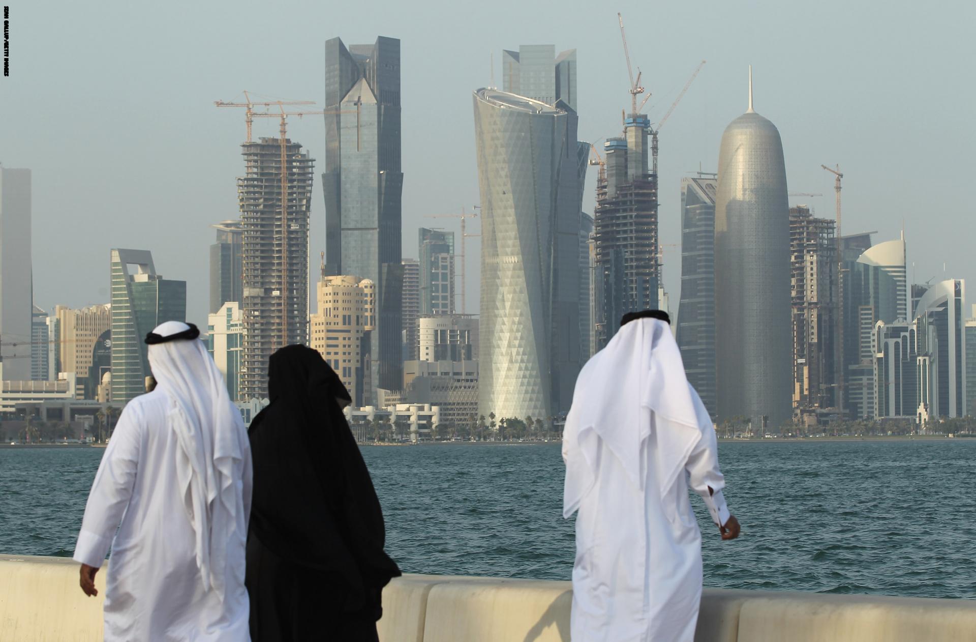 بالصور العمل في قطر , وظائف بمرتبات مجزيه 526