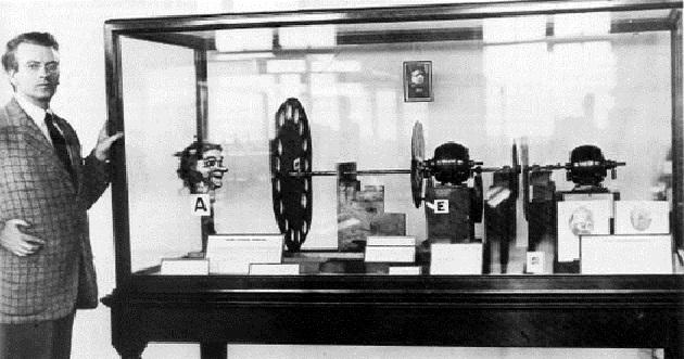 بالصور من اخترع التلفاز , شكر وعرفان لجون لوجي بيرد 612 5