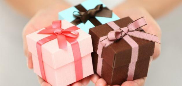 صور هدية بسيطة لصديقتي , احلي صور هدايا