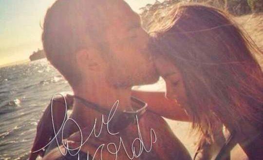 صور بوستات للفيس بوك رومانسية , الرومانسية تشعل النيران بداخلنا