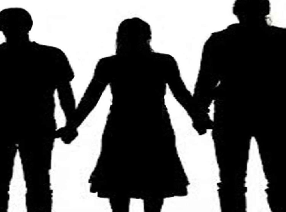 صورة تزوجت وأنا متزوجة ,حلمت اني متزوجه على زوجي 11064 1
